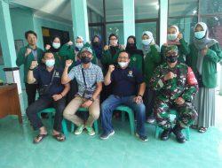 Dampingi Kuwu Astana Babinsa Sertu Warcita Koramil 2001/Cirebon Utara Komsos dengan Mahasiswa IAIN