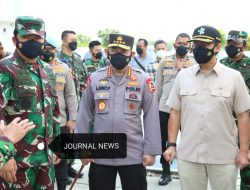 Panglima TNI Bersama Kapolri Tinjau Tempat Isolasi