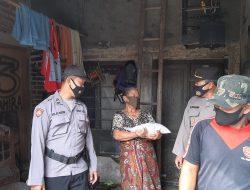 Polresta Cirebon Bagikan Bantuan Beras Kepada Warga Desa Durajaya Gebang dan Desa Nanggela