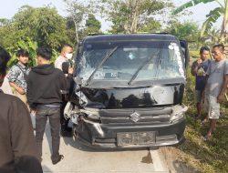 Lakalantas Pemotor VS Mobil Pick Up Di jalan Raya Banceuy Sukaluyu