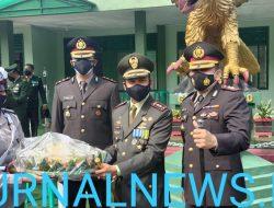 HUT TNI Ke – 76, Kapolres Lahat AKBP Achmad Gusti Hartono Berikan Nasi Tumpeng Ke Dandim 0405/ Lahat