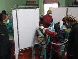 1000.Vaksinasi yang ada di Desa Cibodas, telah di realisasikan kepada warga masyarakatnya,