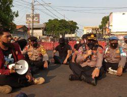 Kapolres cirebon kota Apresiasi mahasiswa yang unras dengan tertib dan damai